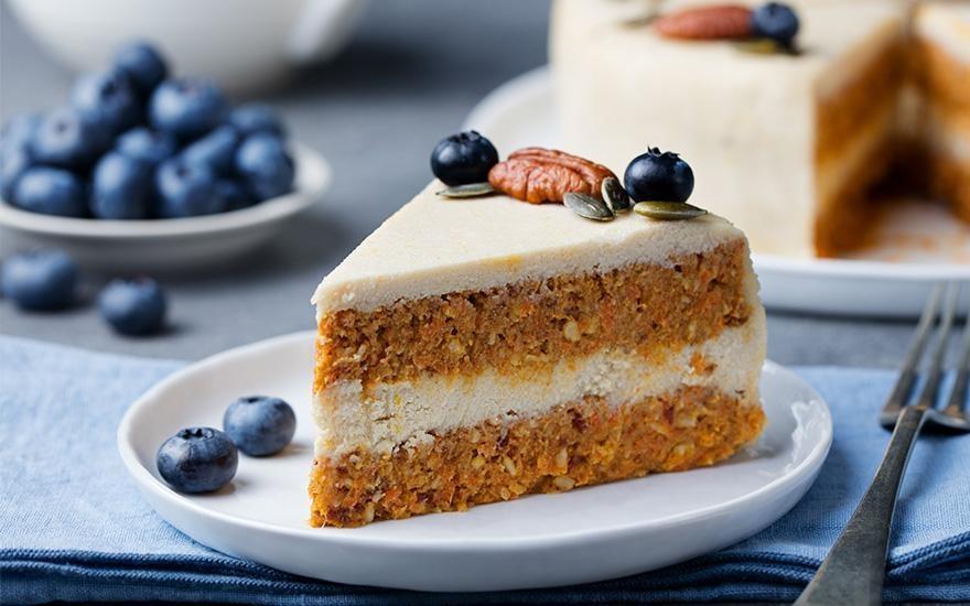 ciasto przekładane białym serem